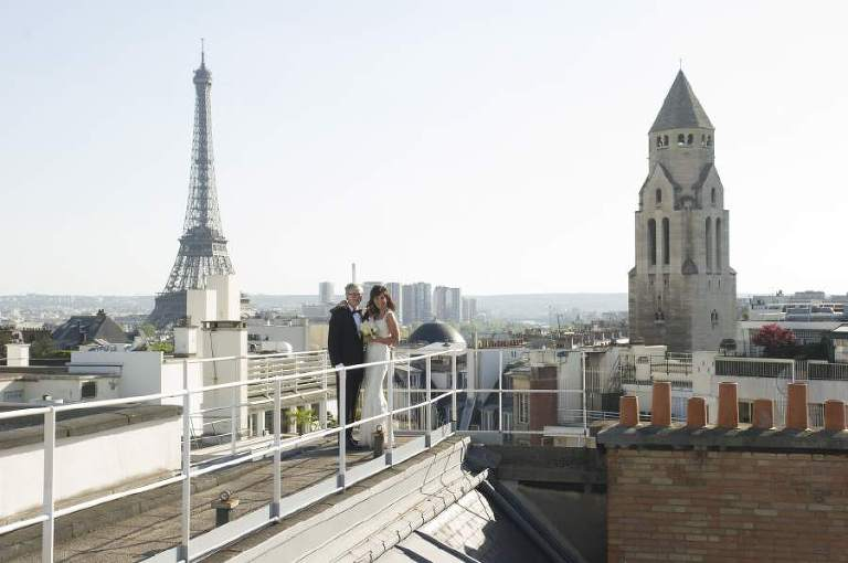 Elope in Paris photographer